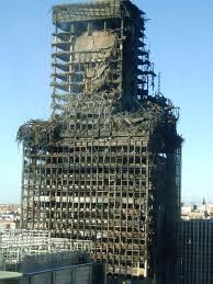 The Windsor Tower building in Madrid burnt for several days in February 2005 totally gutting it but not leading to its collapse.