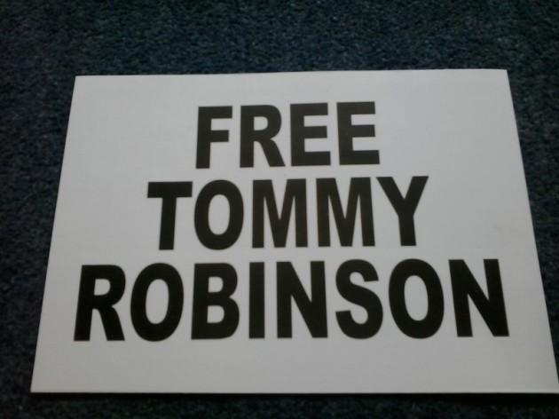 FreeTommyRobinsonSticker02